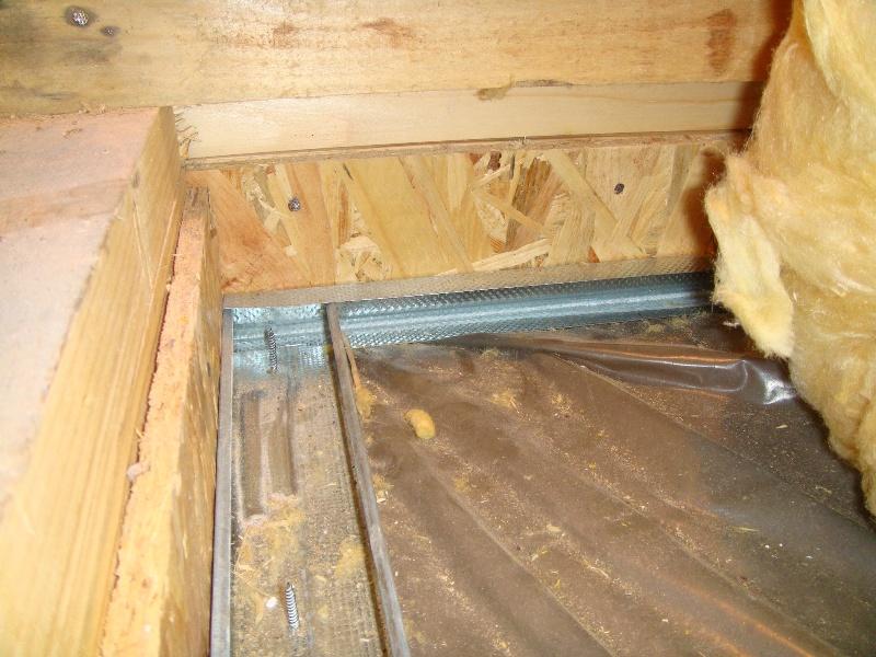 upuštanje plafona u panel i postavka mineralne vune od 200 mm