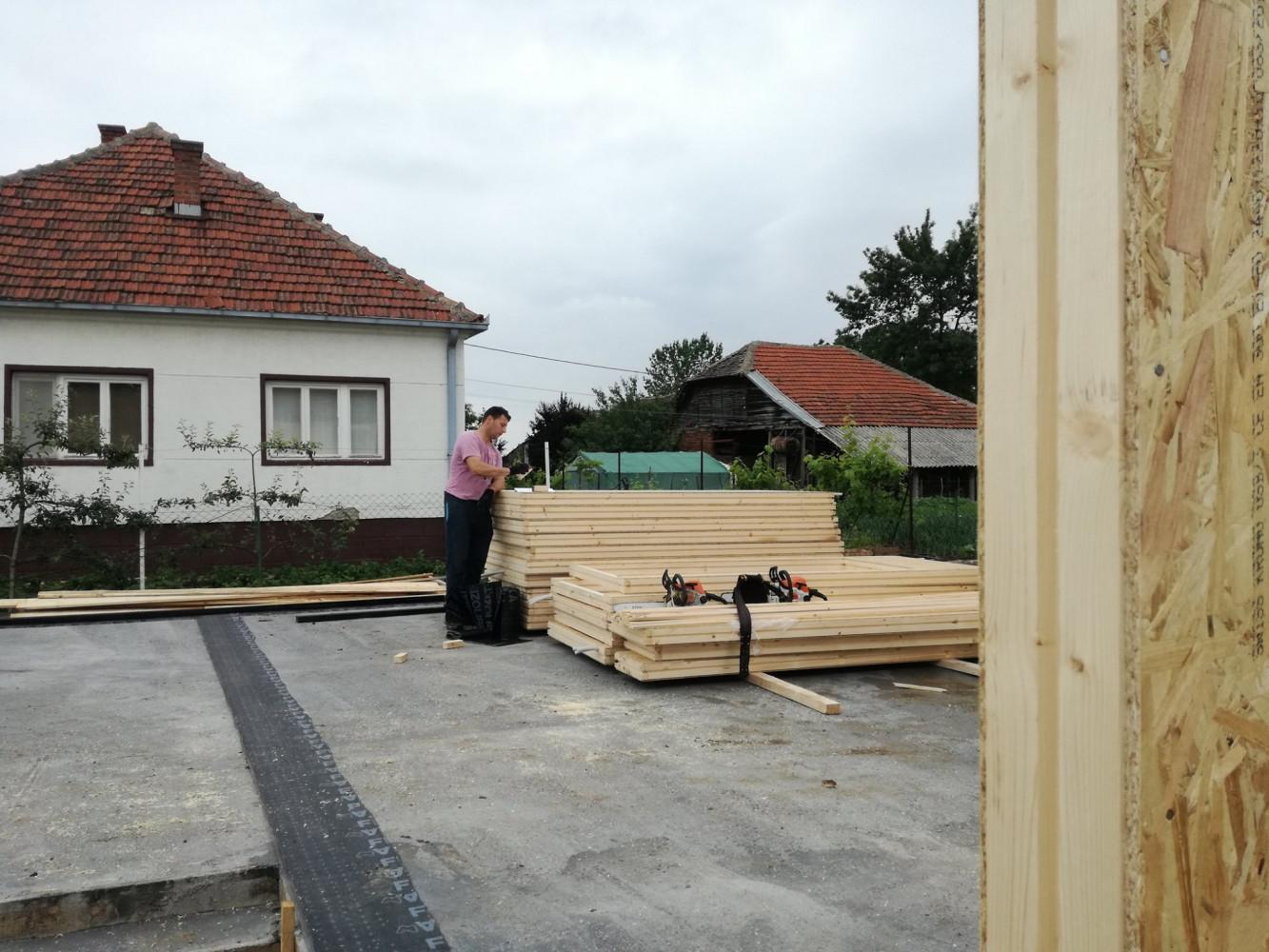 Montažna kuća u izgradnji 4