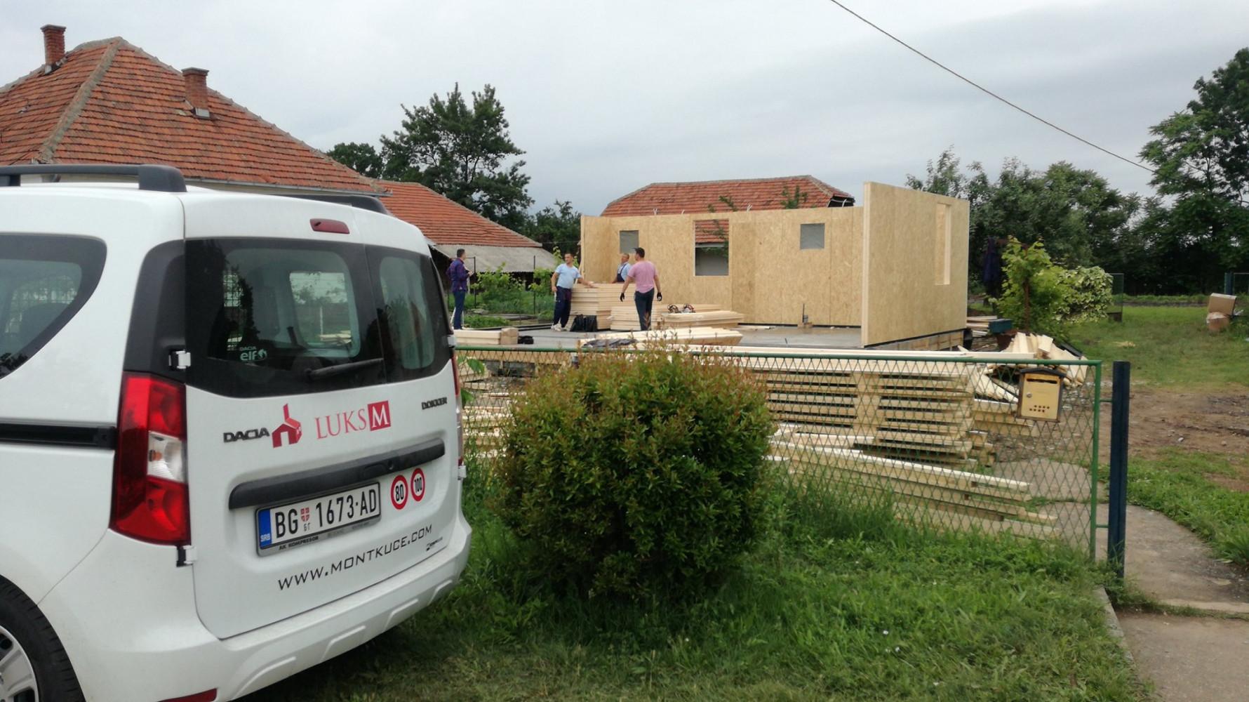 Montažna kuća u izgradnji 6