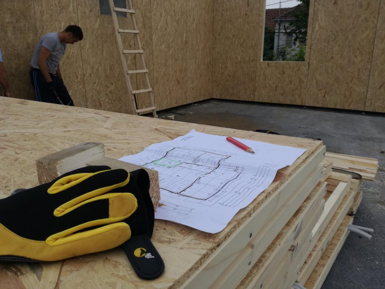 Montažna kuća u izgradnji 5